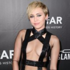 Miley Cyrus Shows Her Love For Liam Hemsworth With 1 Simple Snap