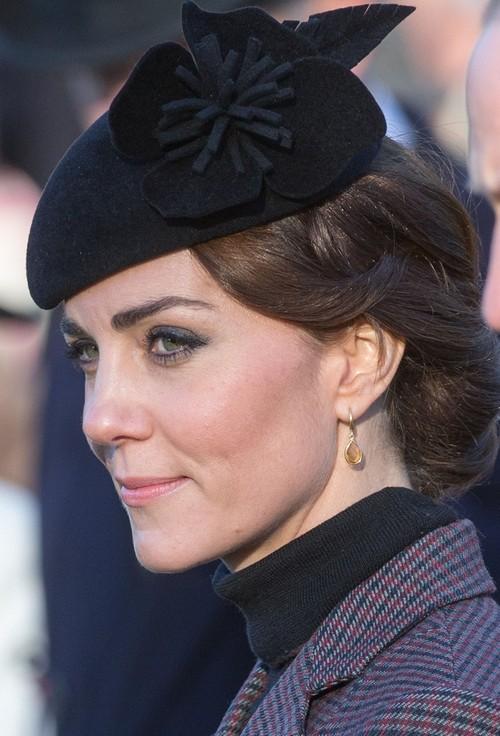Kate Middleton Forces Prince William to Abandon Bachelor Days Buddies - Skips Best Friend Oliver Hicks Wedding